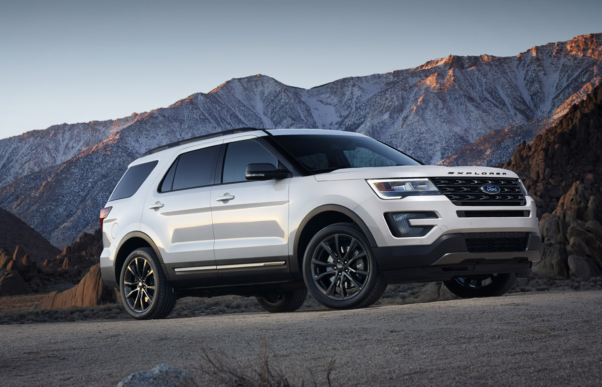 The 2107 Ford Explorer XLT Sport Appearance Package comes equipped with standard XLT features including a 3.5-liter V6 engine, Intelligent Access with push-button start and SYNC® 3. Preproduction model shown; available summer 2016.