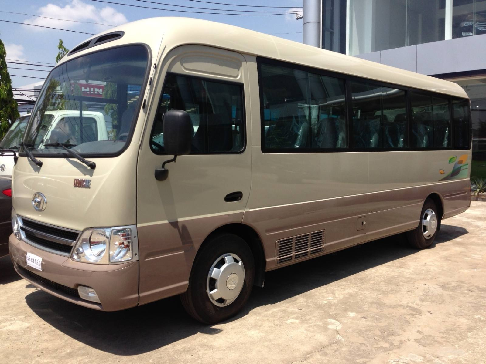 Bus-29-seats